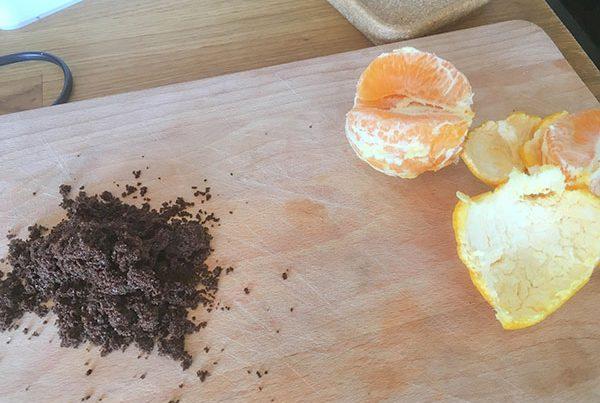 Appelsin og kaffegrums fjerne lugten