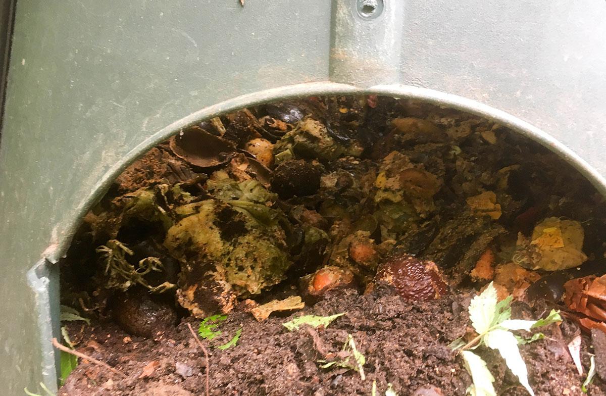 kompostbeholder som jordfabrik